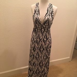 Dresses & Skirts - Long Jersey Black and White Maxi Halter Dress